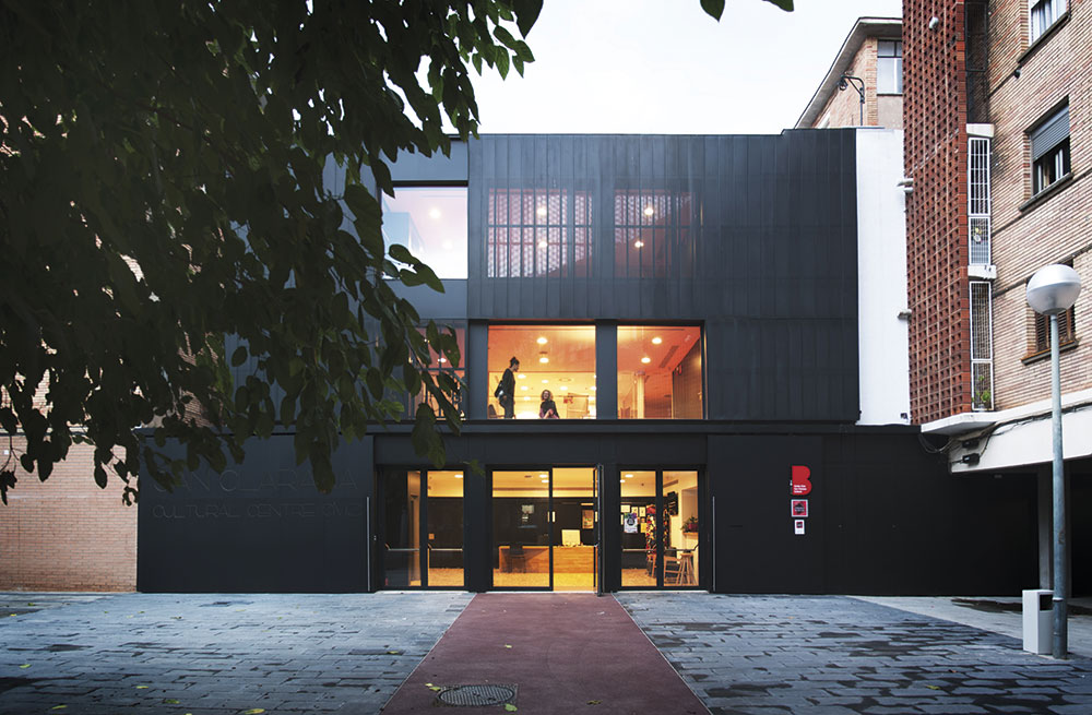 Nuevo Centro Cívico Can Clariana Cultural en Barcelona