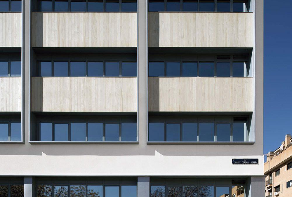 Dialogar con el entorno del edificio y su historia