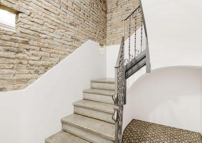 Puesta en valor de los elementos patrimoniales: escalera y pavimentos