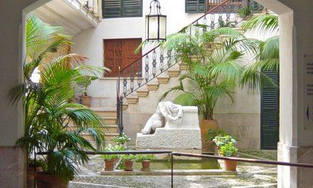 Gras y Festen transforman Casa Portella en un hotel-oasis en Palma de Mallorca