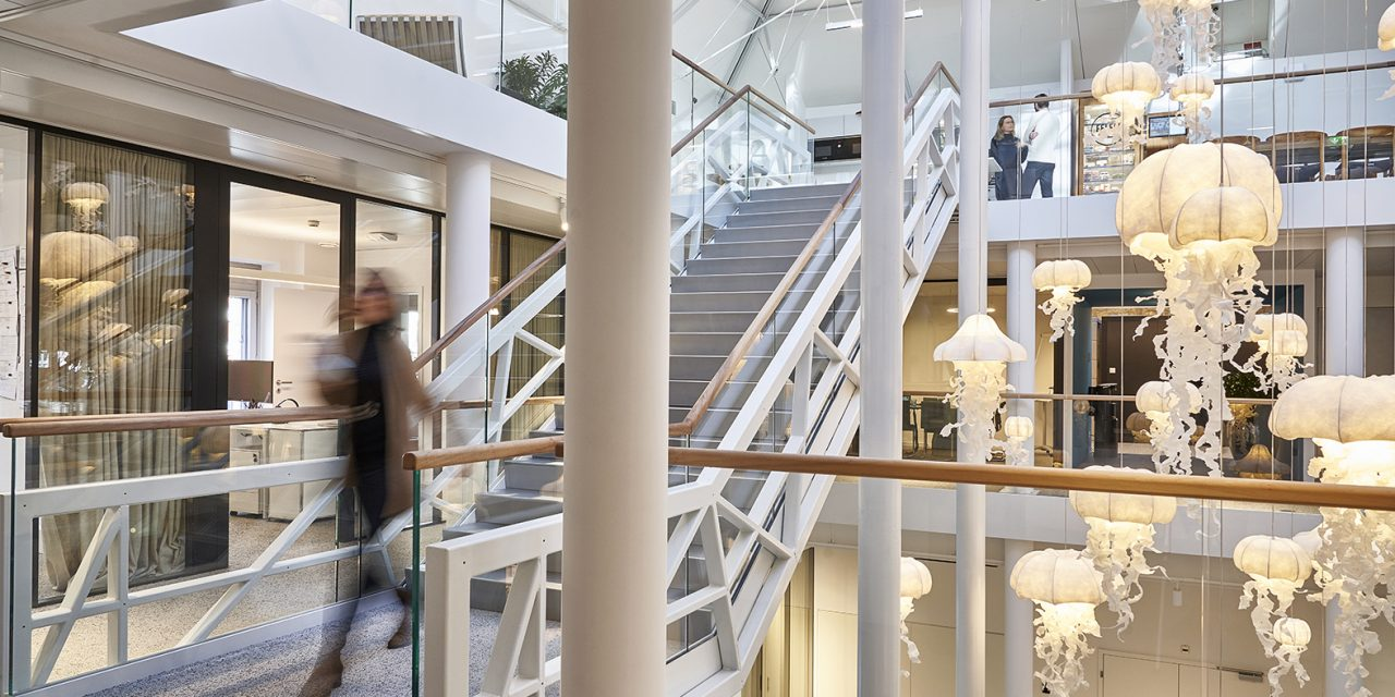 FFH y MFO: Oficinas en el corazón de Ginebra por Bloomint Design