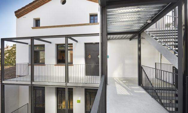 El Centre Arenys de Munt estrena reforma de Grup Idea con la mejora de sus accesos