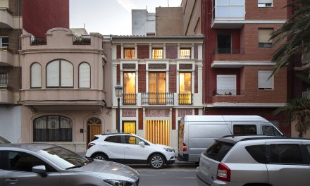 Iterare Arquitectos rehabilita la Casa de los Gigantes en El Cabañal (Valencia)