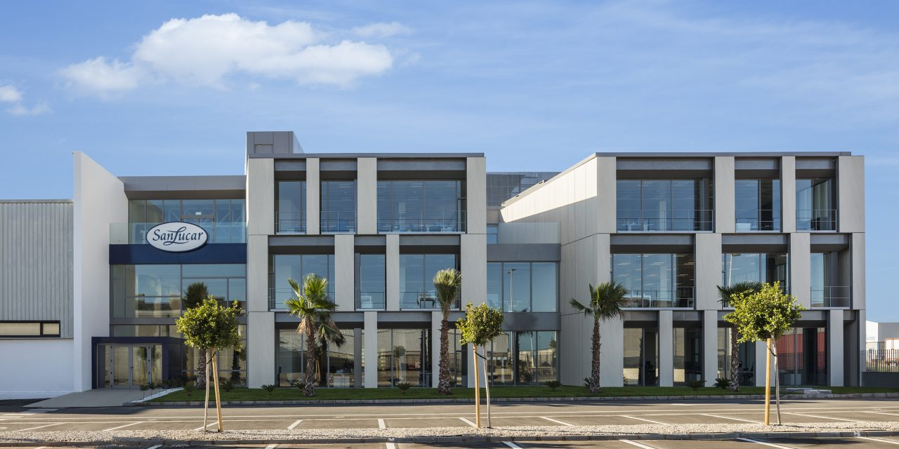 sanahuja&partners realiza las oficinas de SanLucar Fruit en Puçol (Valencia)