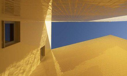 Centro de FP Jacarandá en Brenes (Sevilla) de Palenzvela Taller de Arquitectura