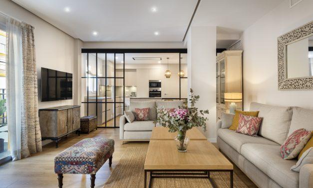 U+G Arquitectura actualiza una vivienda de los '60 en Sevilla