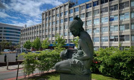 Los Hospitales Women and Children de Birmingham implementan EcoStruxure™ IT Expert para asegurar la resiliencia de su infraestructura IT