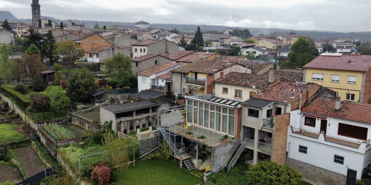 Casa de l'Esquirol: Vivienda en planta baja en Osona de Sau Taller d'Arquitectura